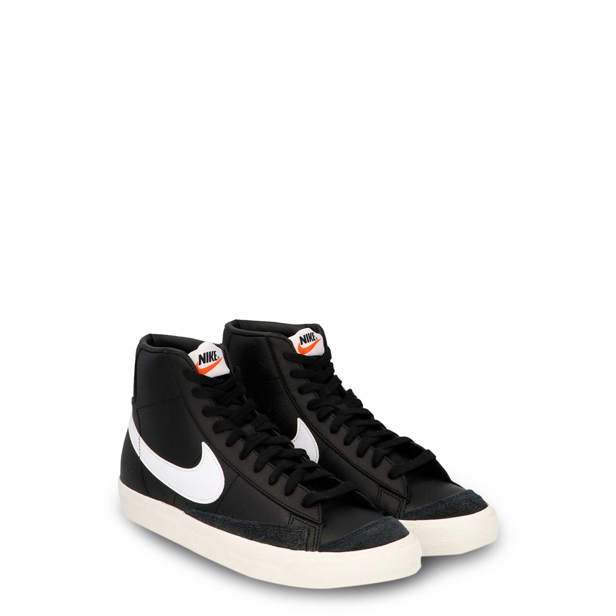 Nike – Blazer Mid 77