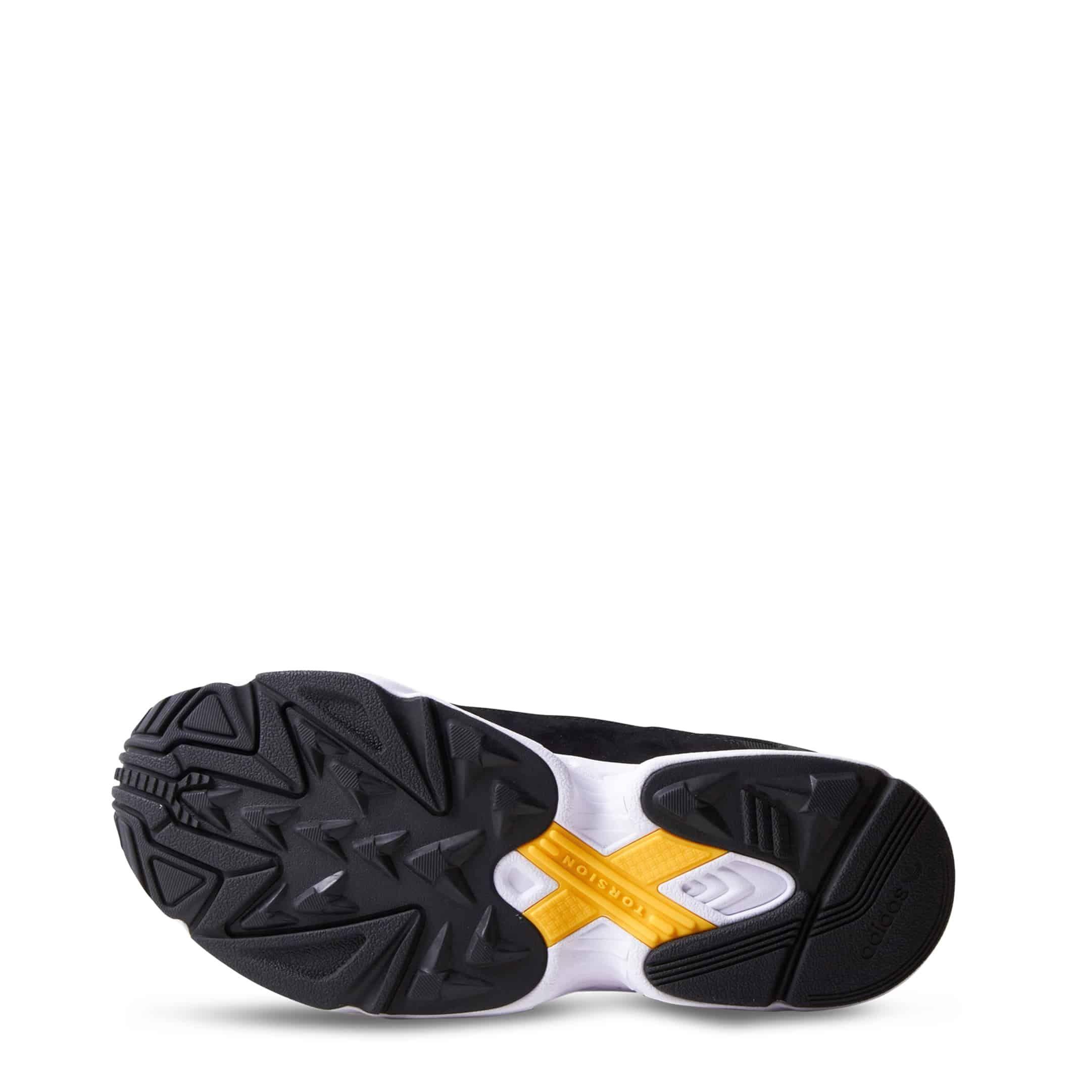 Schuhe Adidas – YUNG-1 – Schwarz